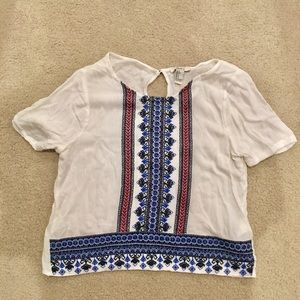 Forever 21 cropped embroidered shirt